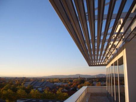 Die Sonnenterrasse der Erich-Lexer-Klinik